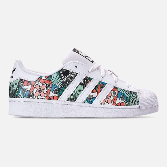 the best attitude 4a28e 4cf0b Adidas Superstar Shoes Preschool Size 12 NWT